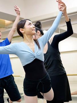 基本のパを一通り習得したら、踊るバレエを楽しみましょう!|東京のバレエ教室【バレゾナンス東京バレエスタジオ】